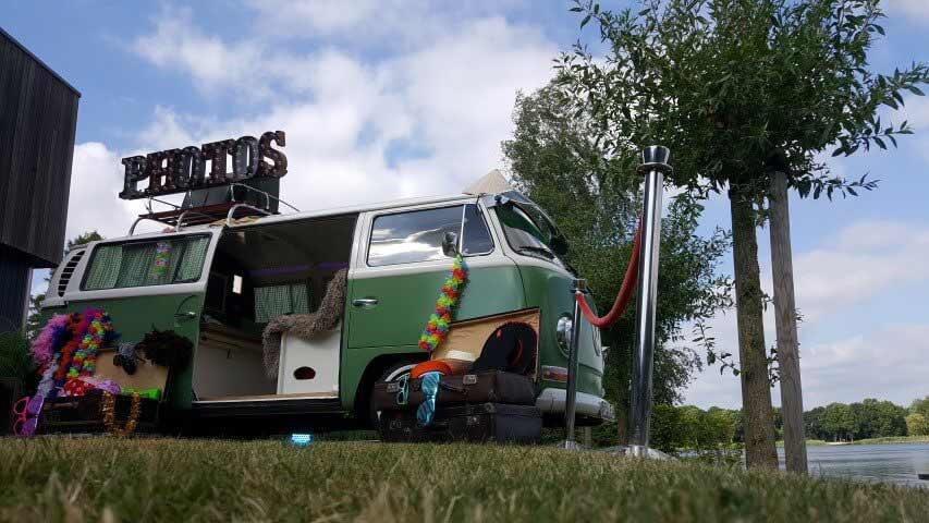 Volkswagenbus-Dr-Green-huren-Houten