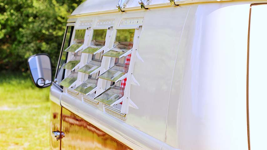 Volkswagenbus-t1-rood-huren-bruiloft